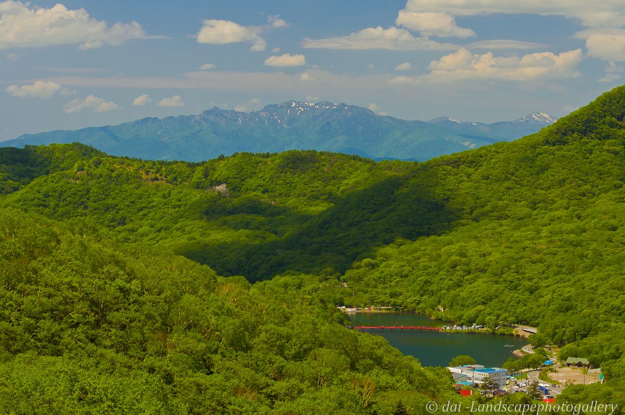赤城山より残雪の武尊岳を望む