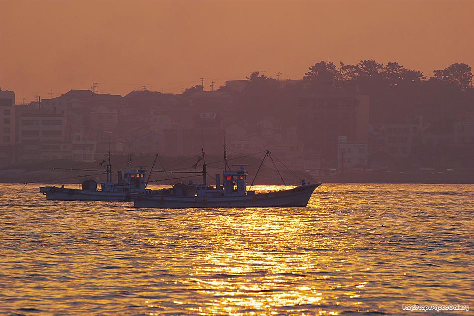 知多湾の朝日