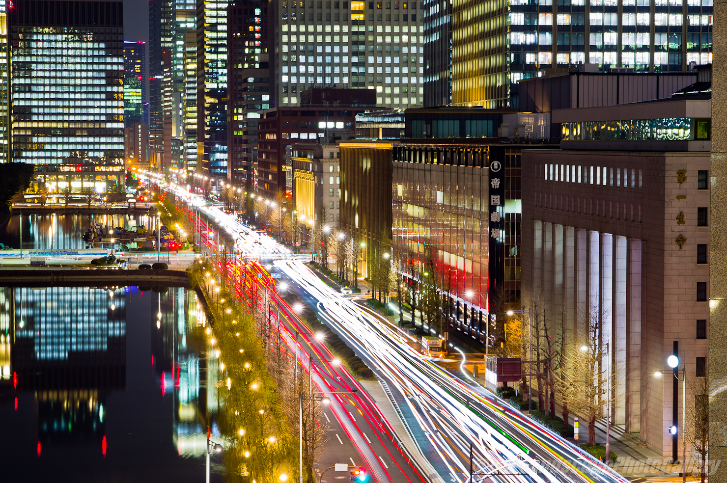 日比谷通り夜景