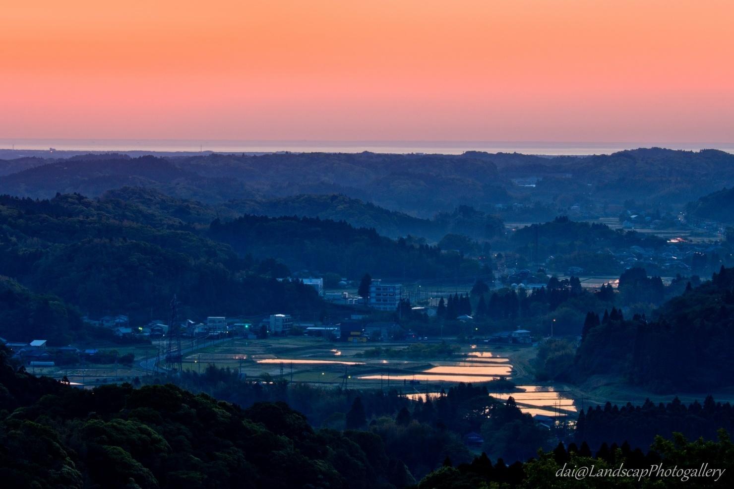 朝焼けの太平洋と房総丘陵