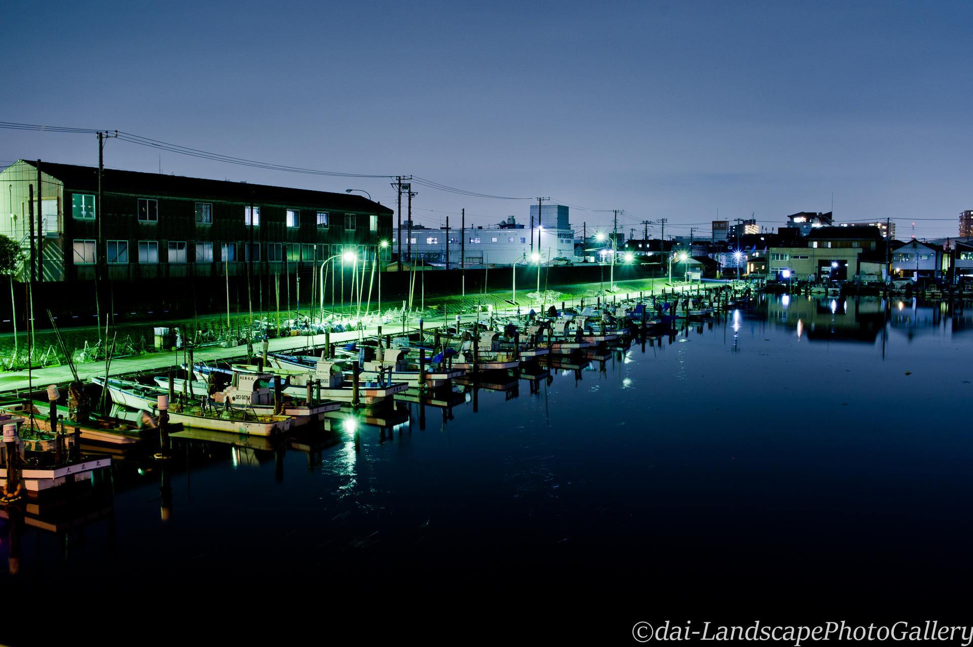 夜の船橋漁港
