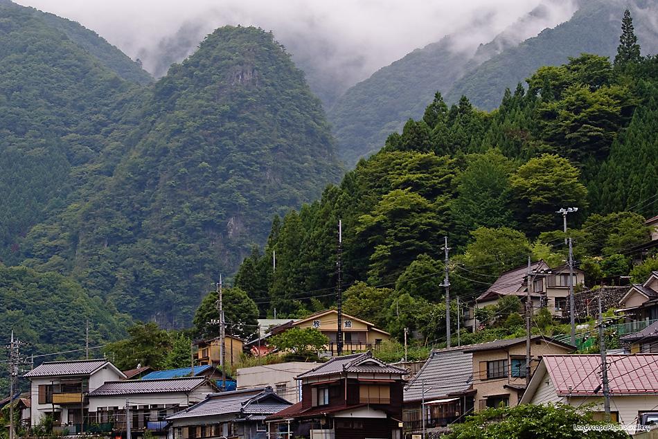 日原街道風景 稲村岩