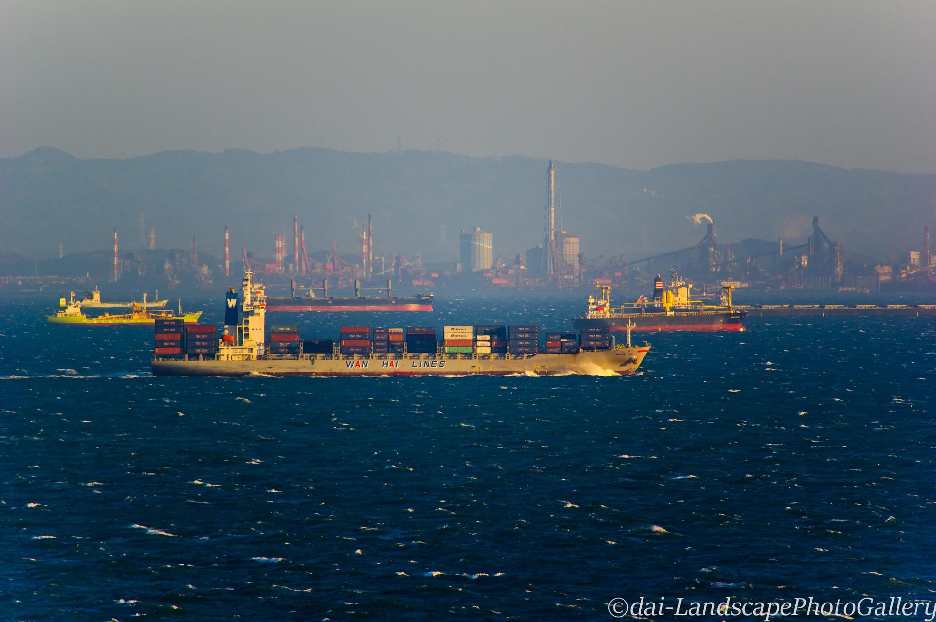 夕刻の東京湾