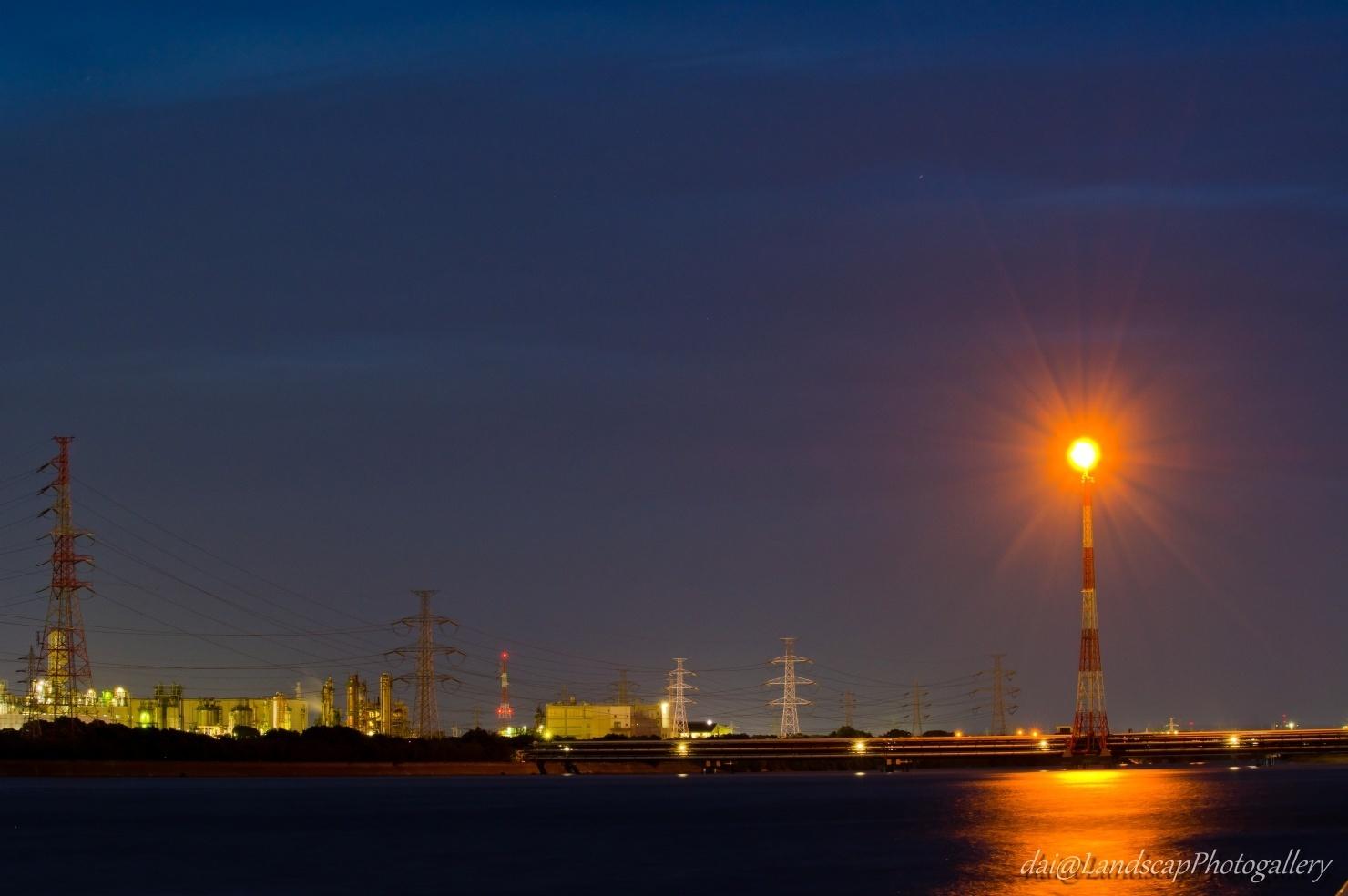 養老川河口のフレアスタック夜景