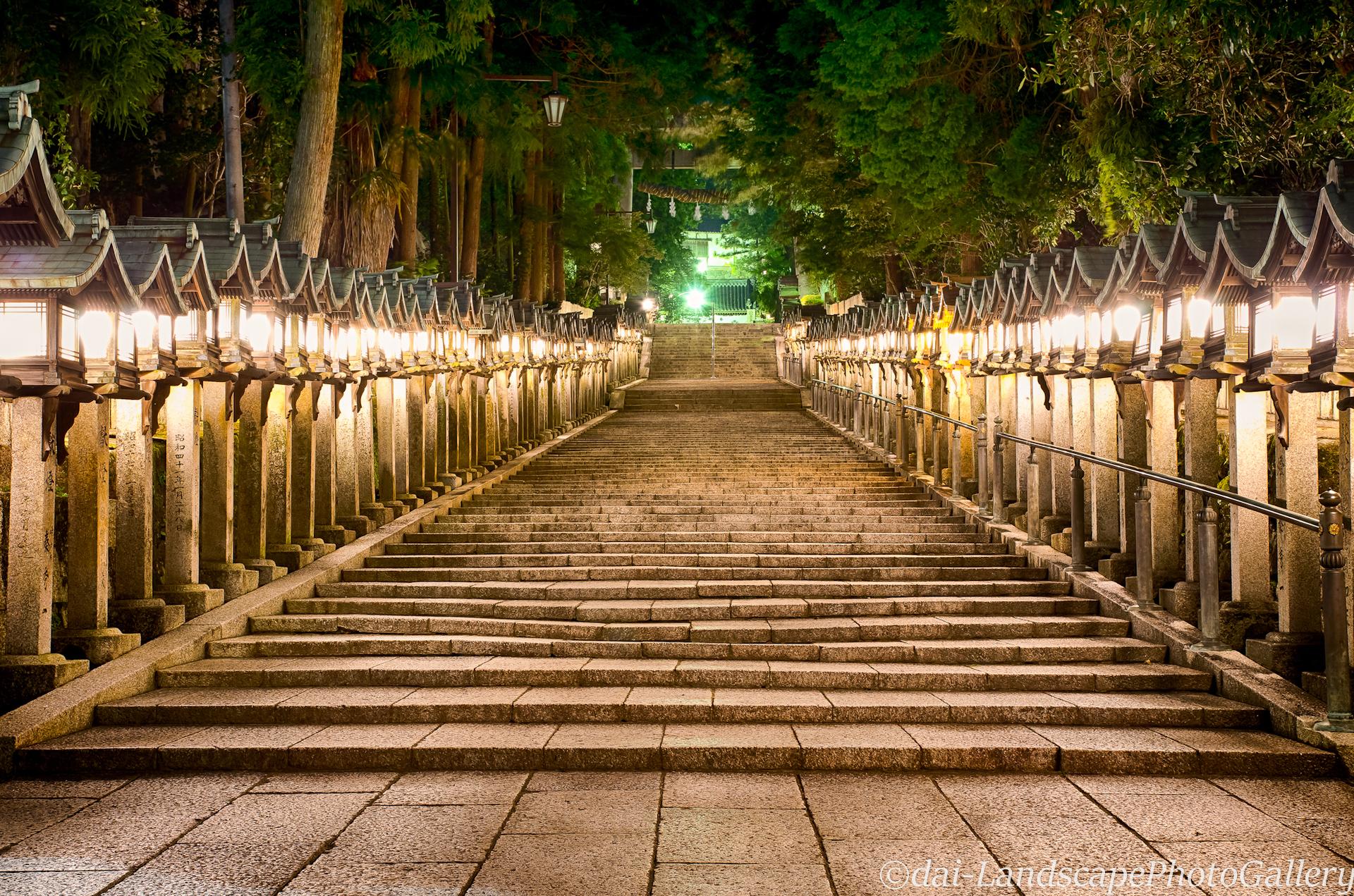 夜の寳山寺参道【HDRi】