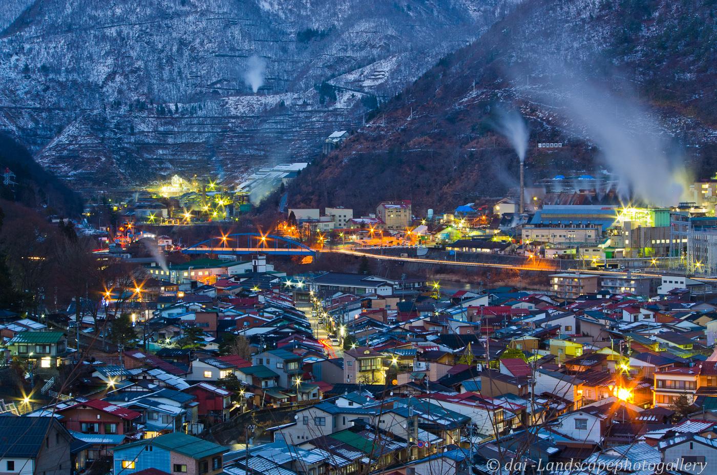 奥飛騨神岡の街と工場夜景