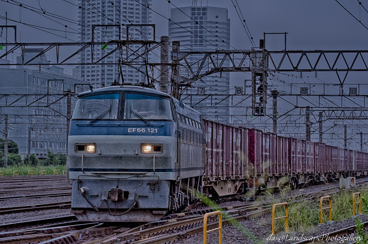 EF66 121 コンテナ列車【HDRi】