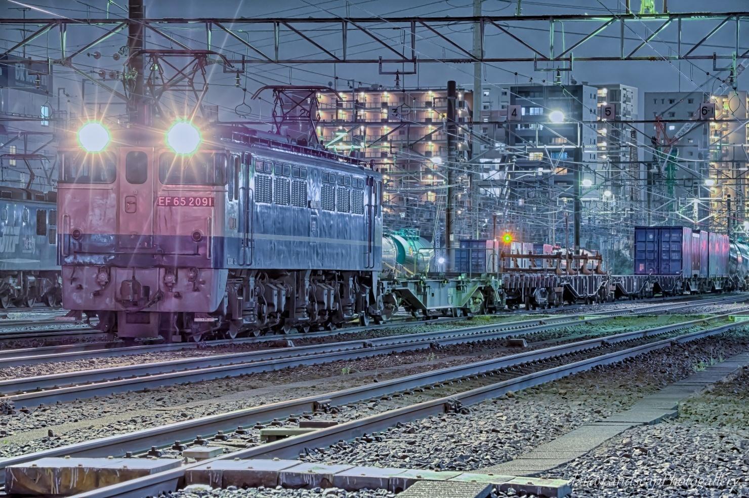夜の新小岩操貨物列車停車風景【HDRi】