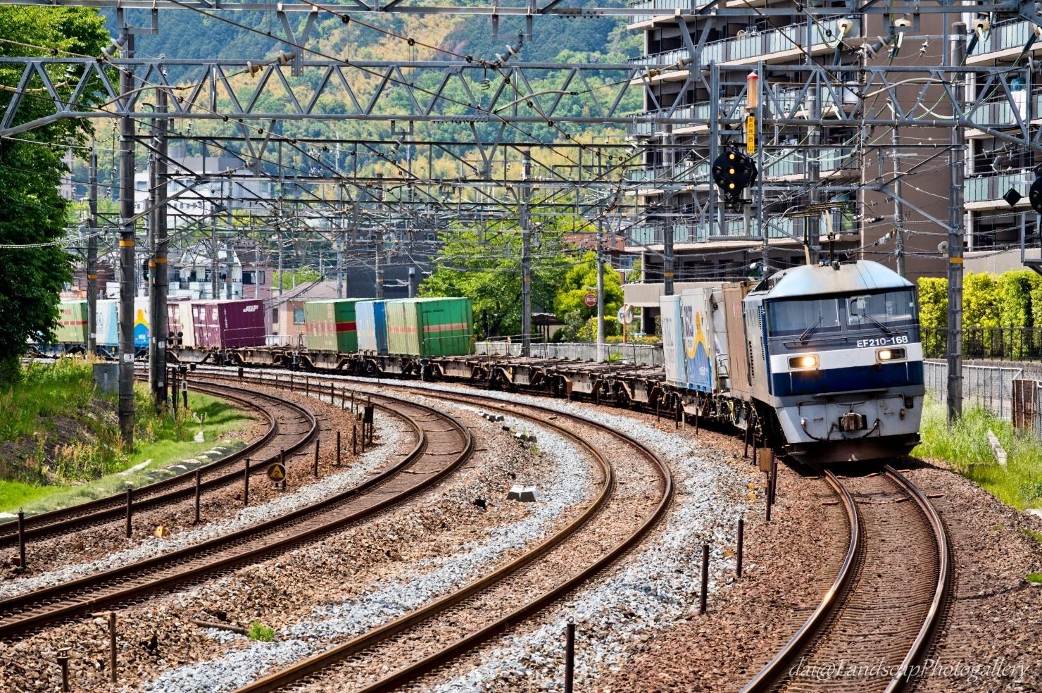 EF210-168 コンテナ列車