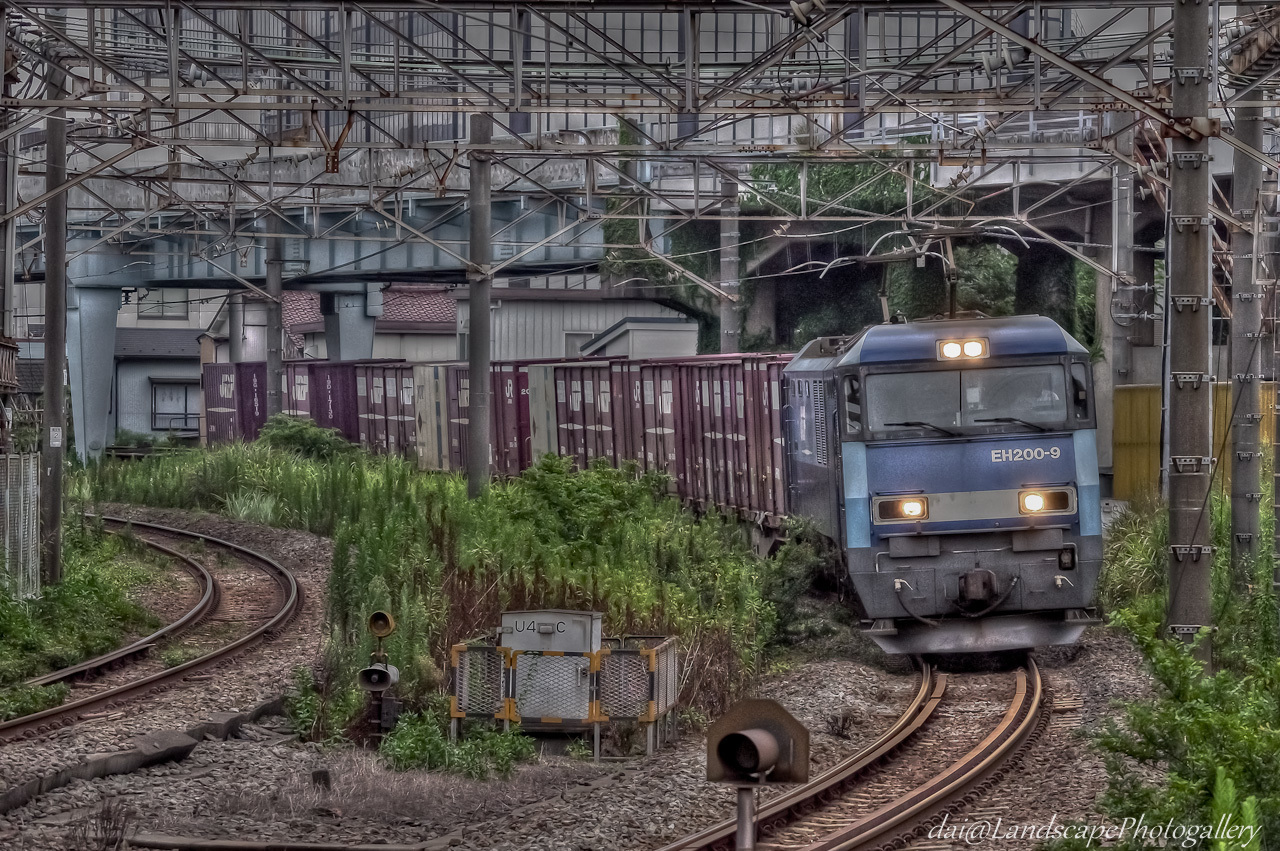 浜川崎駅 早朝の貨物列車【HDRi】