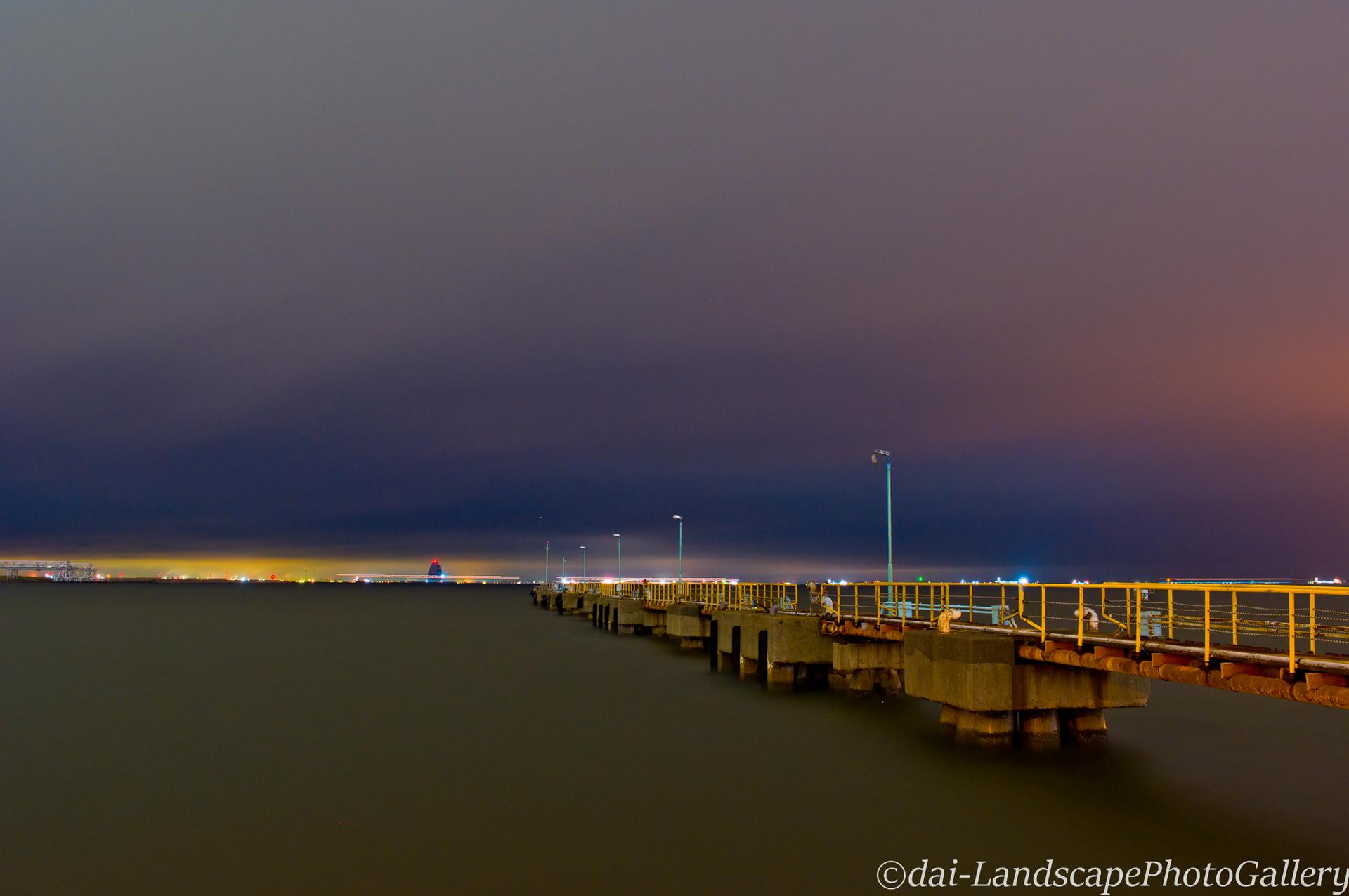 川崎浮島沖の夜景