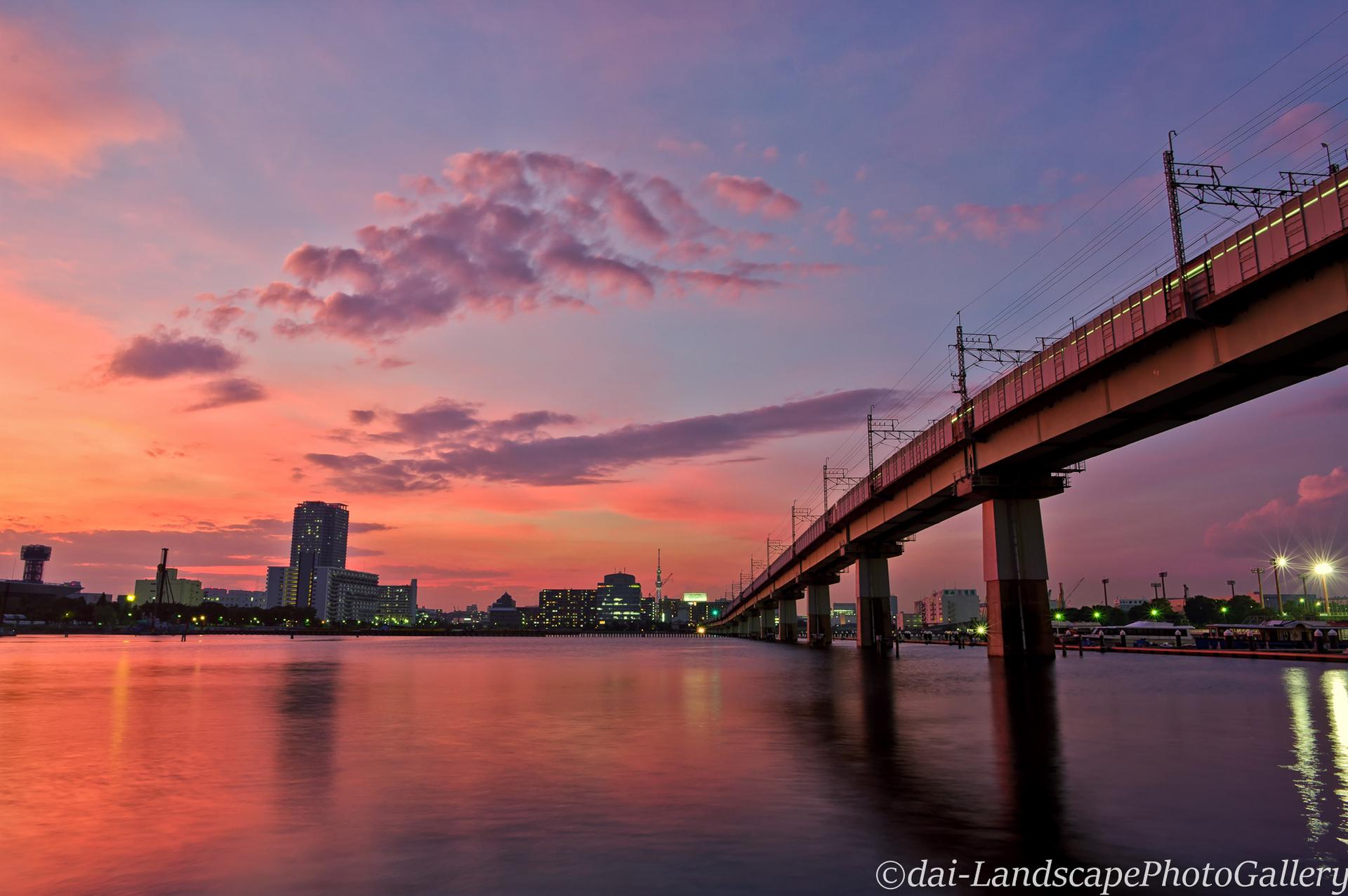 夜の八潮橋