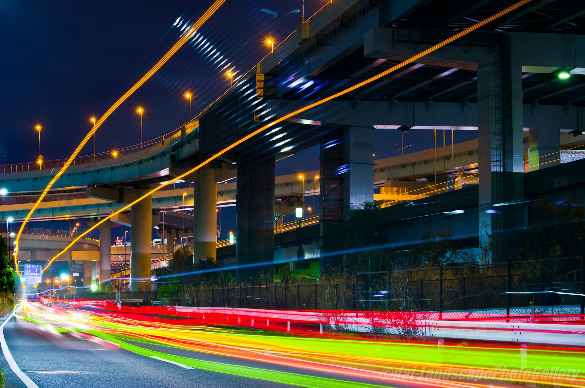 東京湾岸道路 辰巳ジャンクション付近の夜景