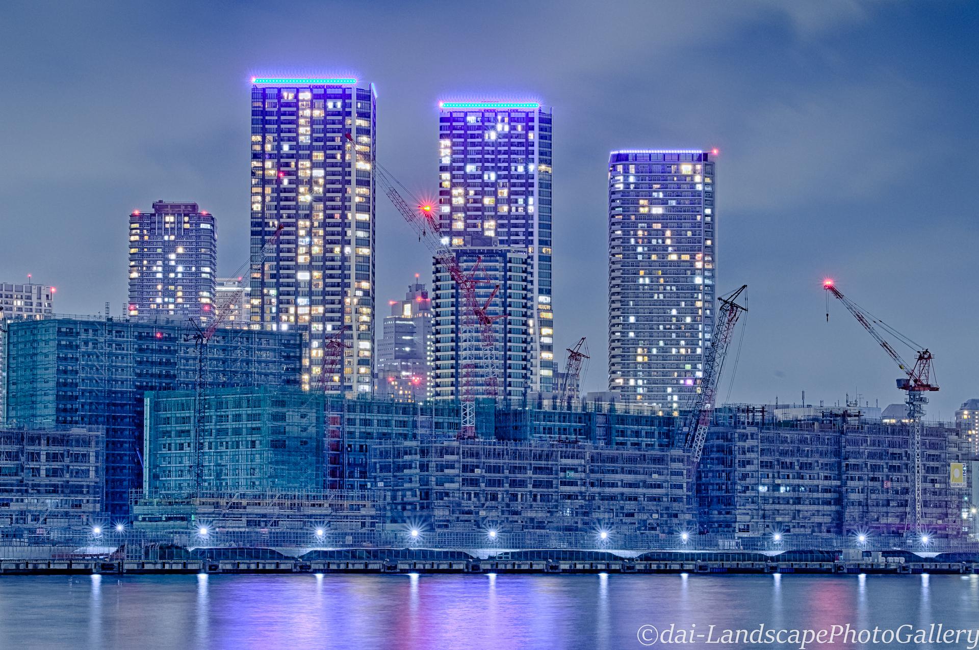 夜の東京五輪選手村工事現場風景【HDRi】