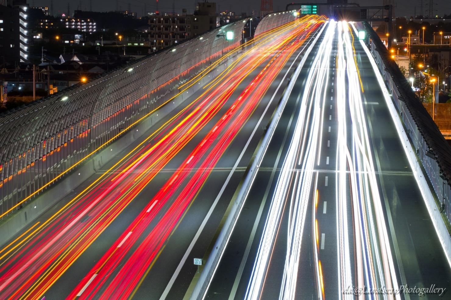 東京外環の光跡