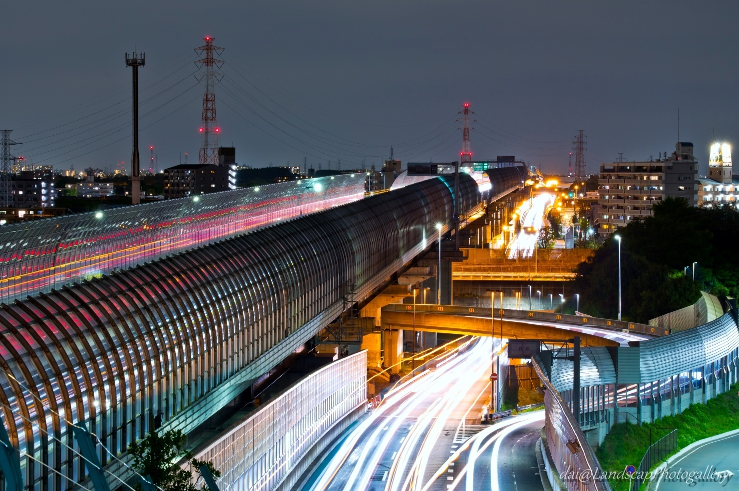 東京外かく環状道路の夜景