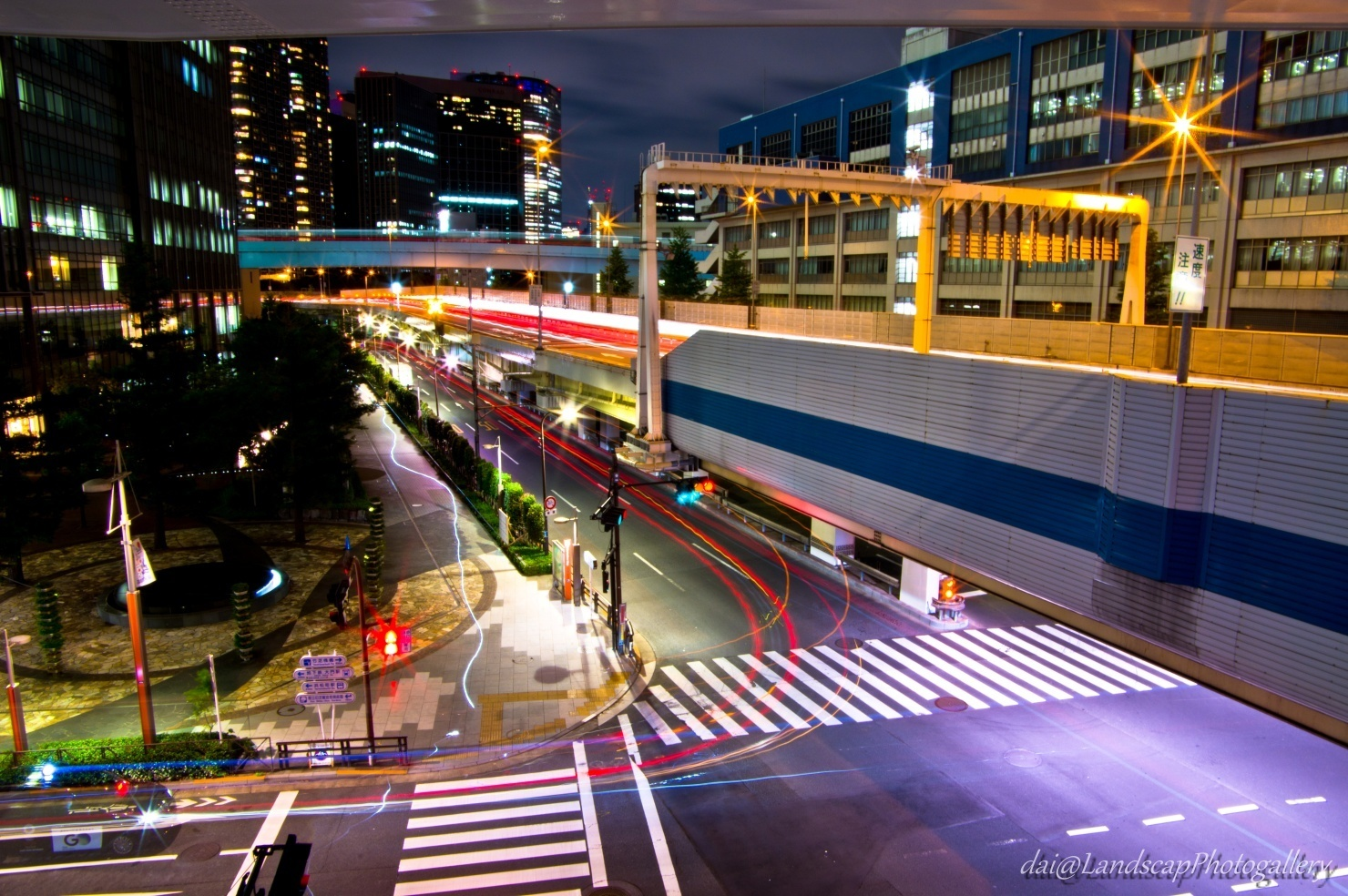 首都高速と海岸通り夜景