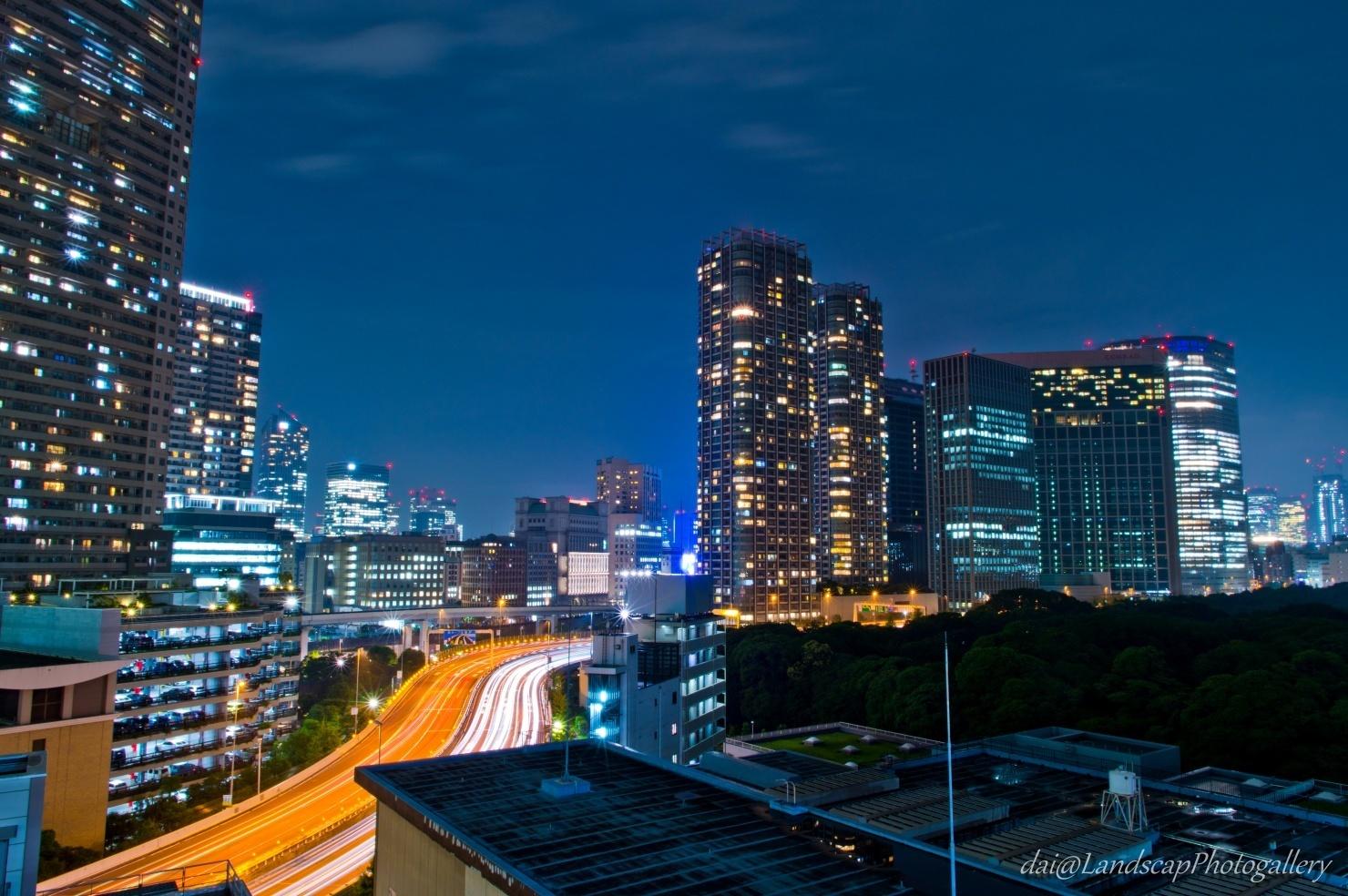 首都高光跡と汐留夜景