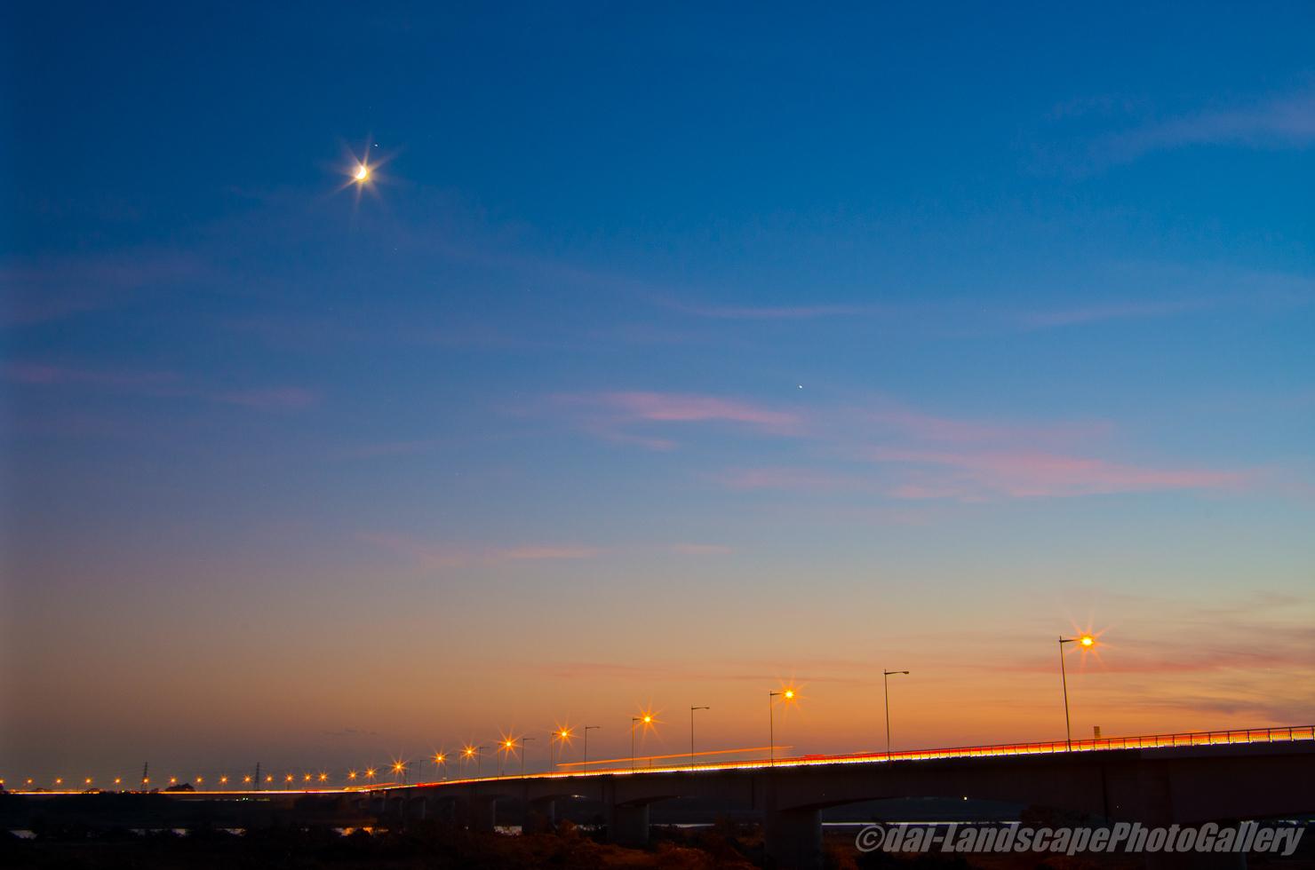新上武大橋夕夜景