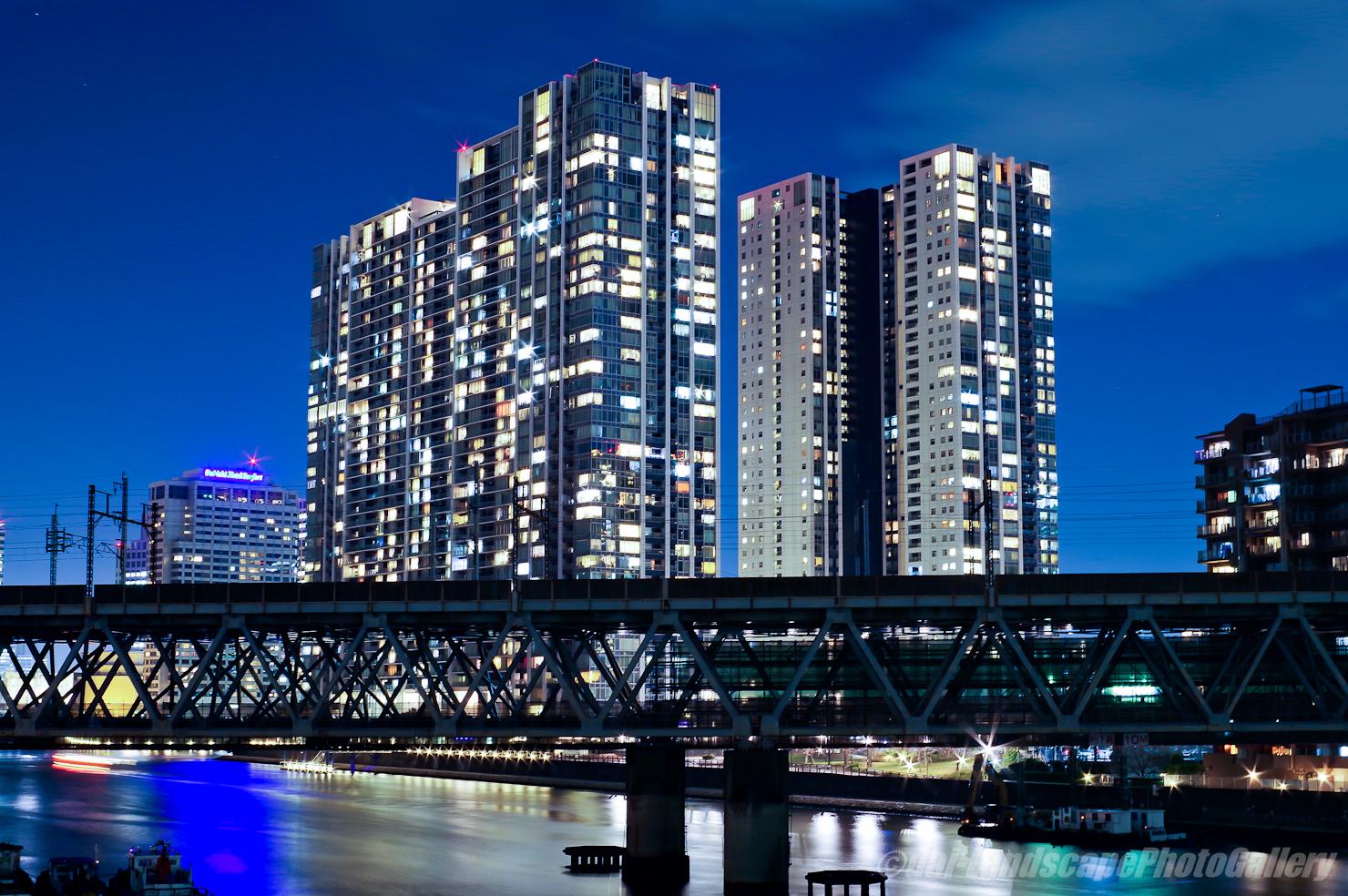 京浜運河橋梁夜景