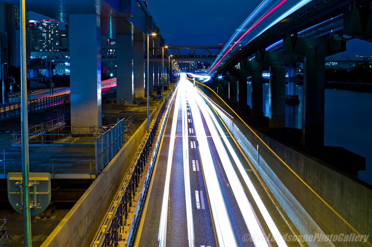 首都高と東京モノレールの光跡