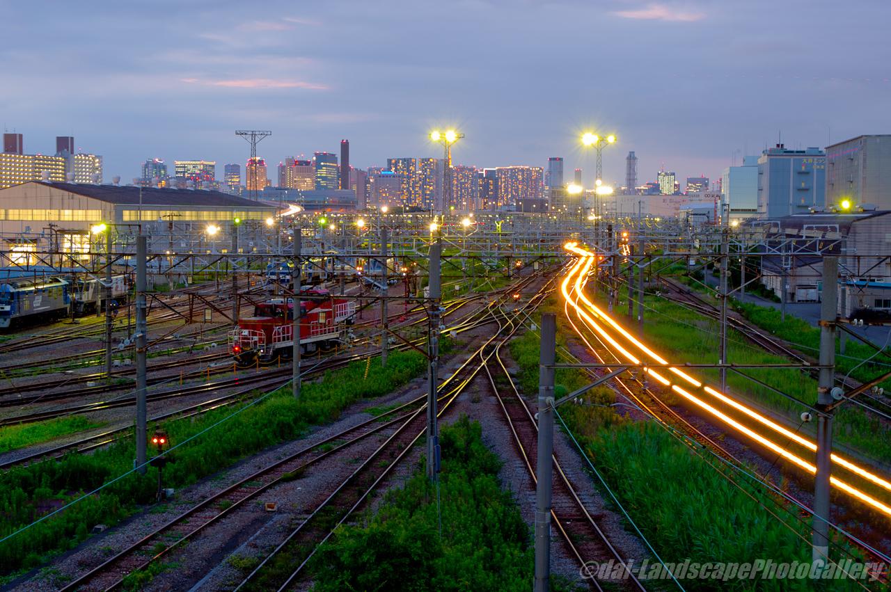 東京貨物ターミナル駅夕夜景
