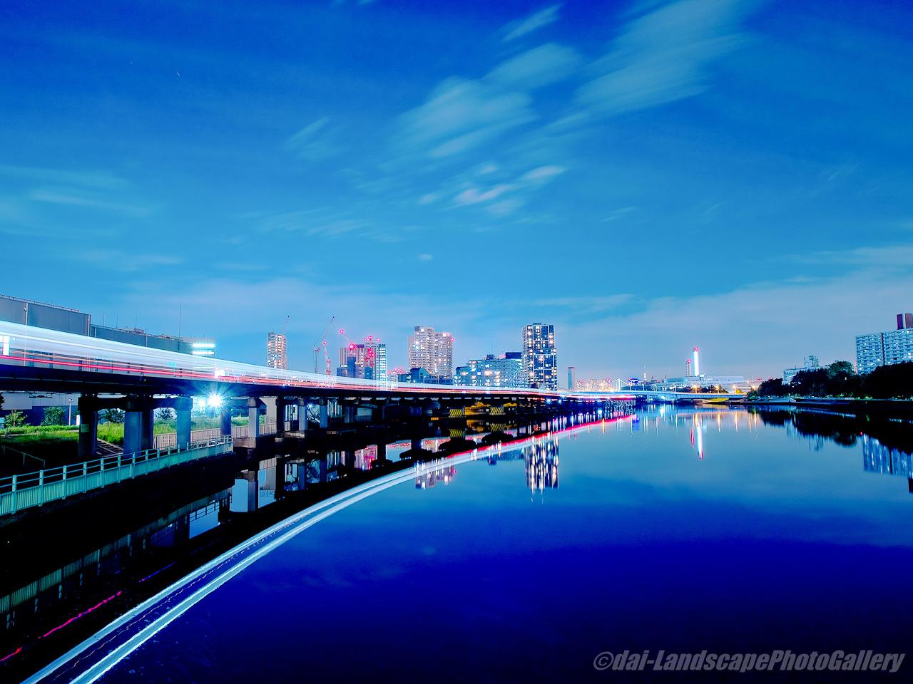 京浜運河と東京モノレール夜景