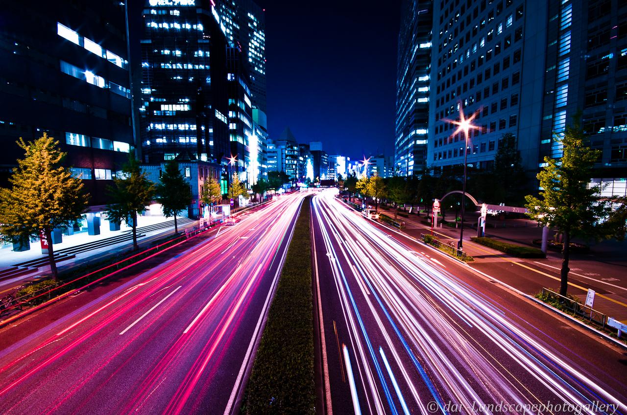 甲州街道の光跡