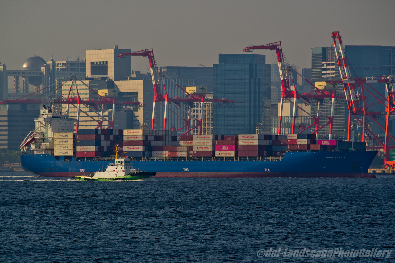 MUNK STRAIT 東京港出航風景