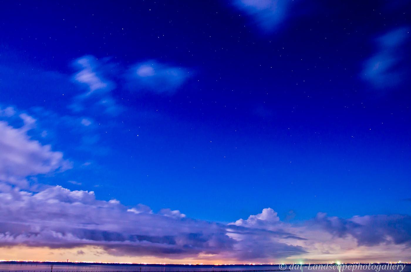 東京湾の夜空