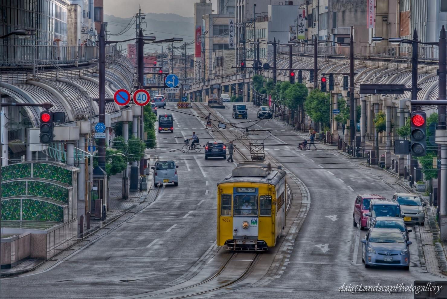 高岡駅前末広町通りの路面電車風景【HDRi】
