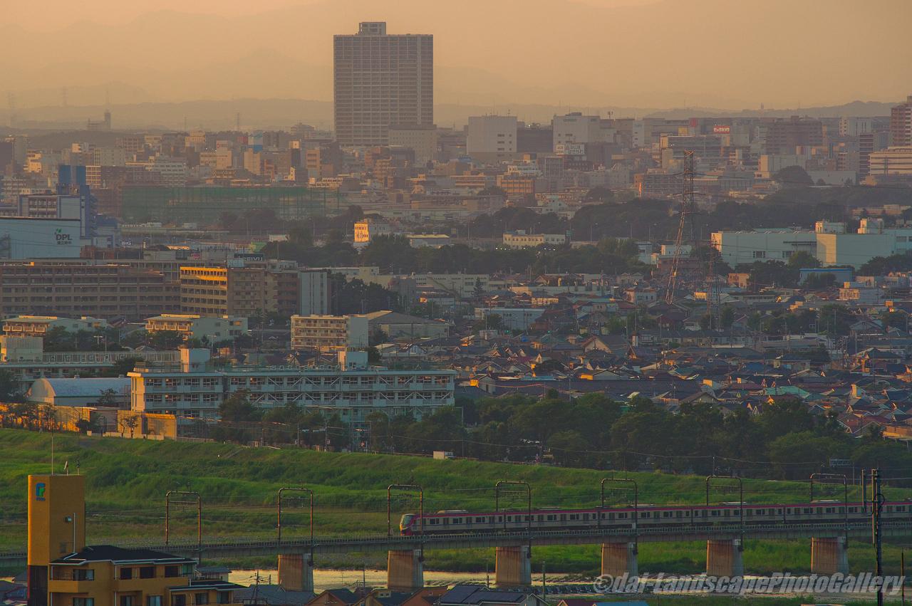 夕刻の京王多摩川橋梁遠望