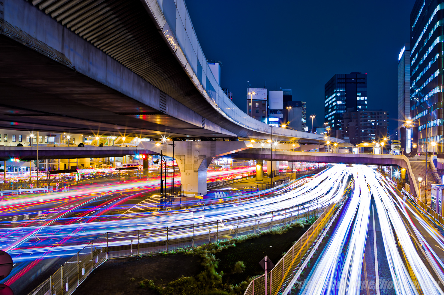 上野駅前夜景