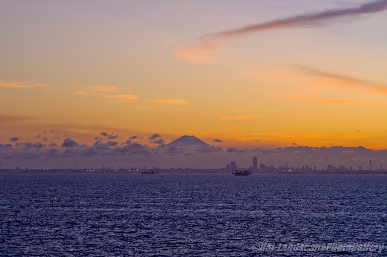 海ほたるからの富士夕景