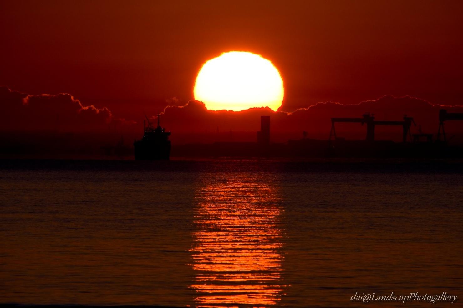 東京湾越しの日の出