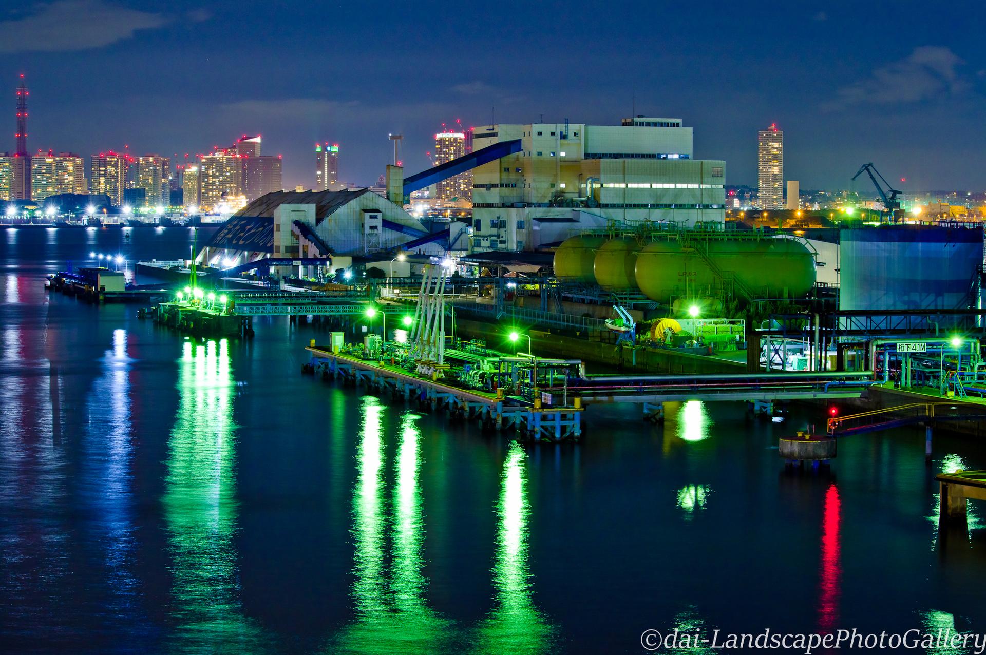 横浜港大黒町夜景