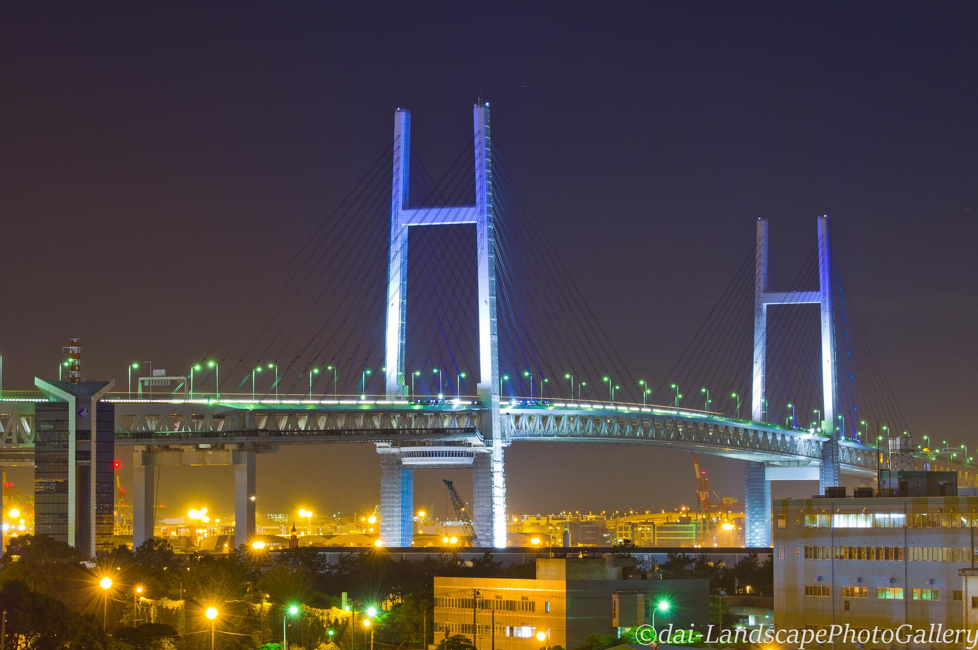 横浜ベイブリッジ夜景