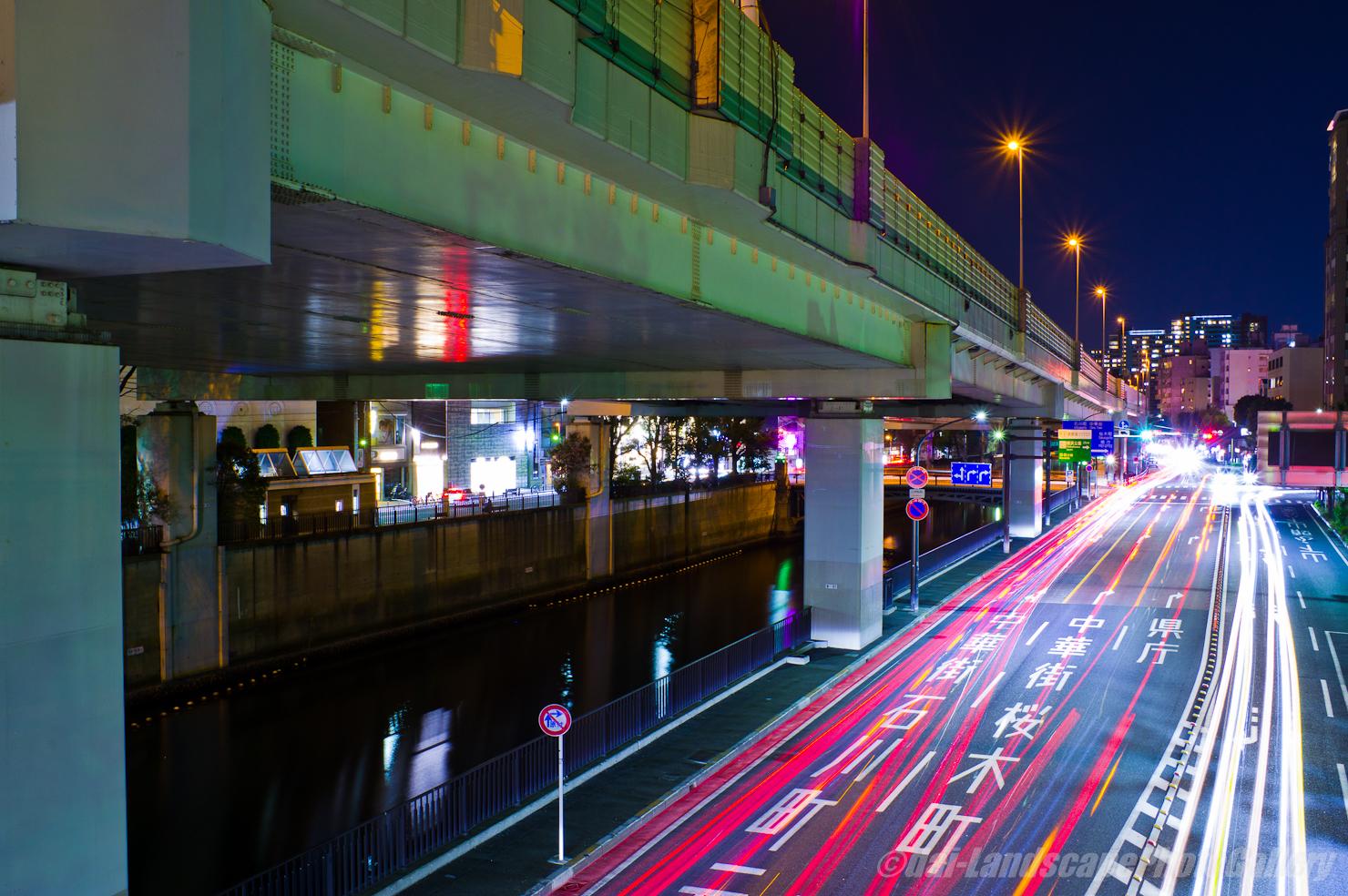 横浜首都高高架下夜景