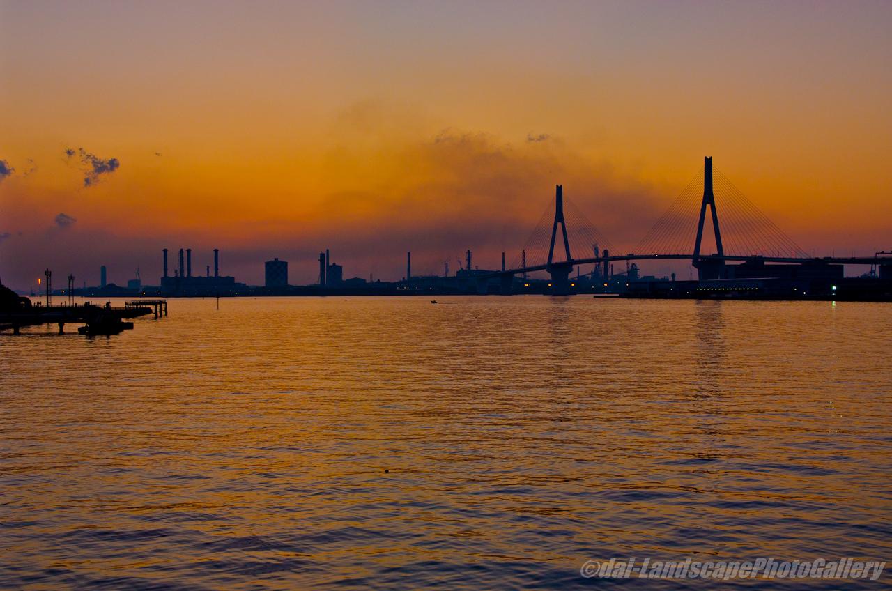 横浜港朝景