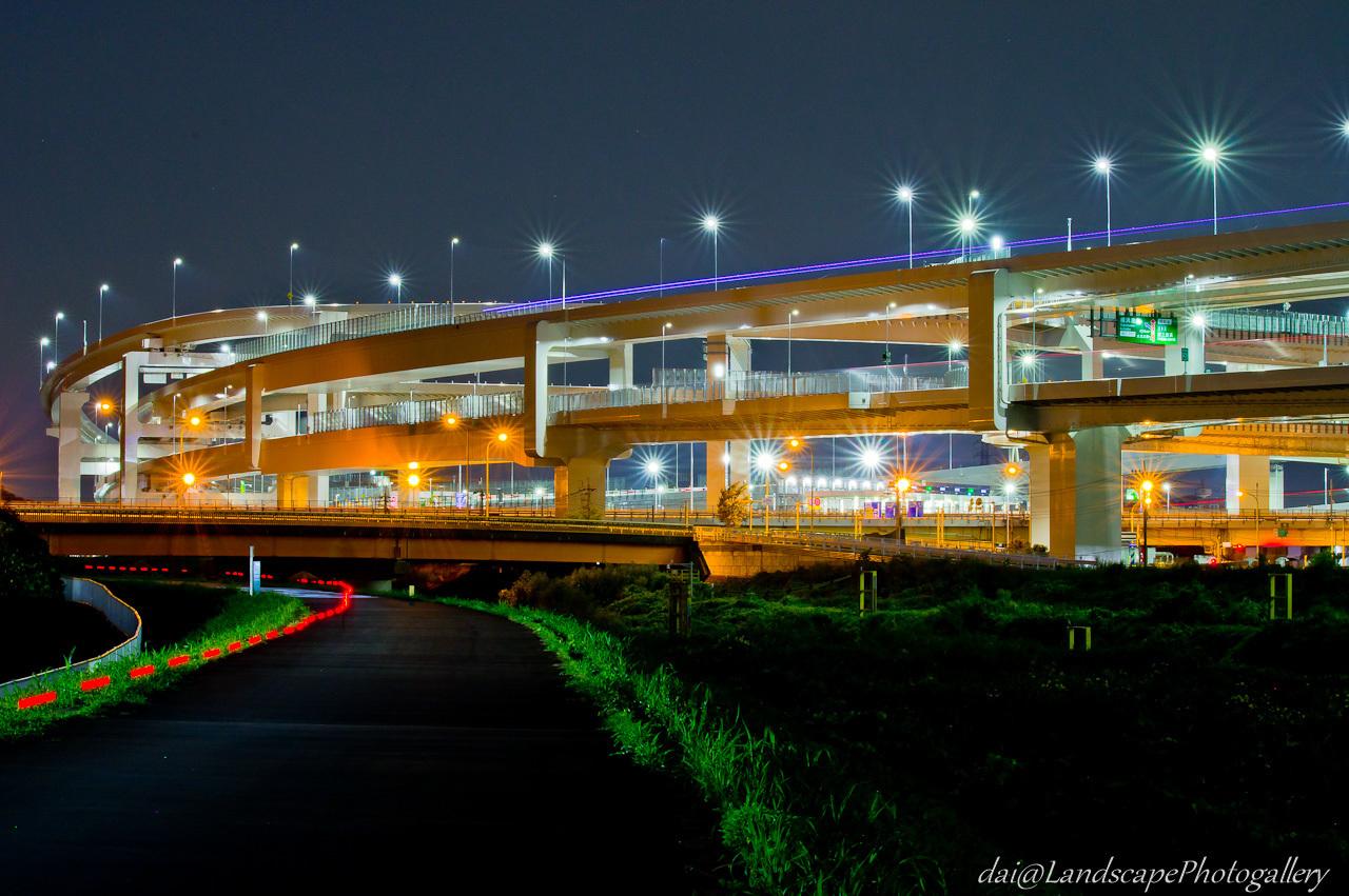 横浜港北ジャンクション付近の夜景
