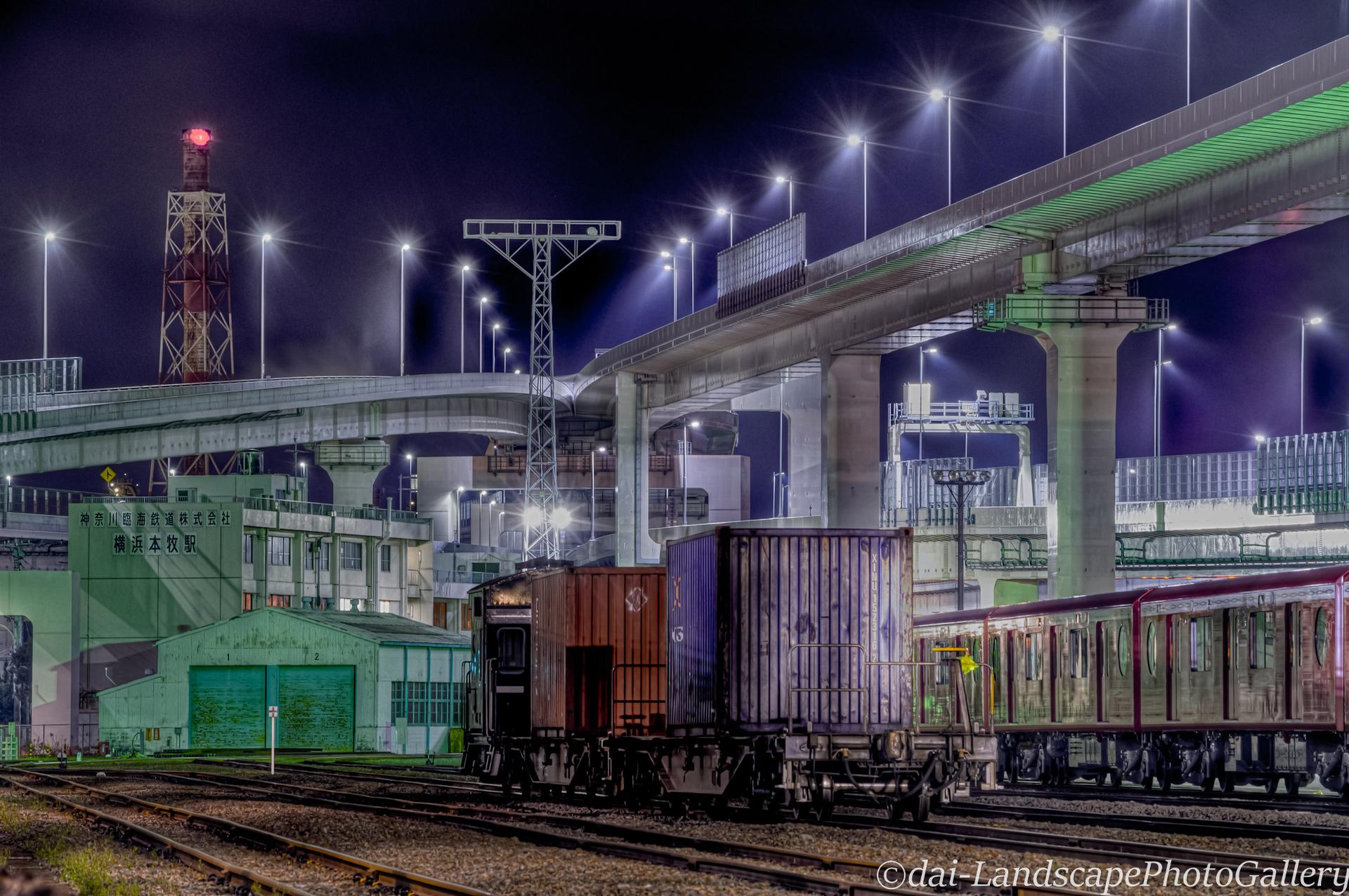 深夜の横浜本牧駅【HDRi】